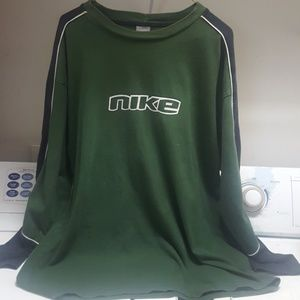 Men's Nike XL Green & Black Long Sleeve Shirt